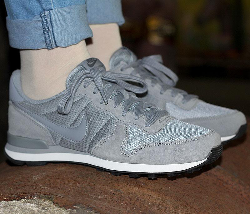 Nike WMNS Internationalist Grau Dunkelgrau Weiss - 828407-004