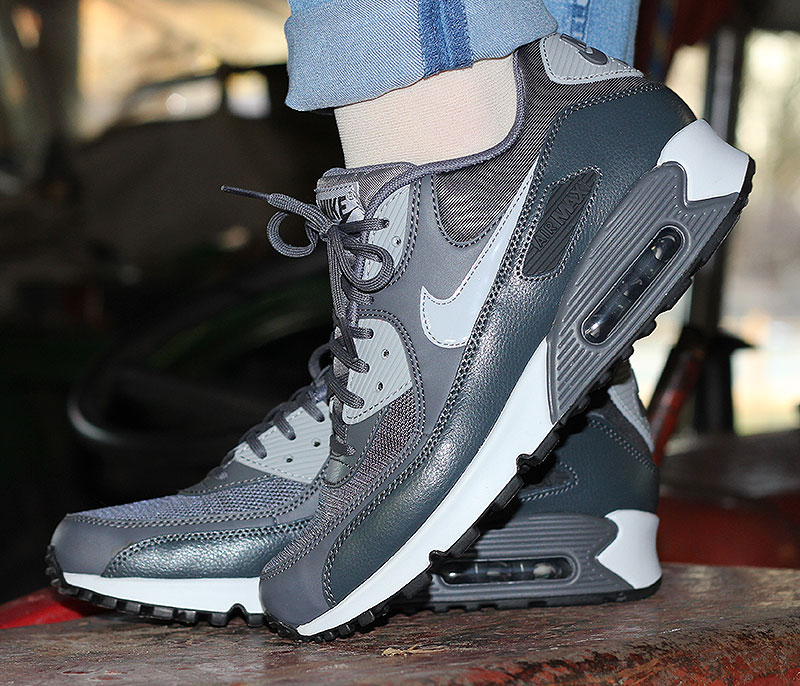 Nike WMNS Air Max 90 Essential Dark Grey Wolf Grey Anthracite - 616730-030