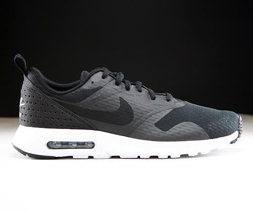Nike Air Max Tavas Grau Schwarz
