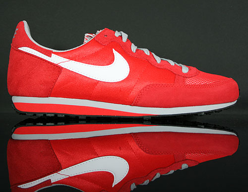 Nike Challenger Rot Weiss Grau 379526-603