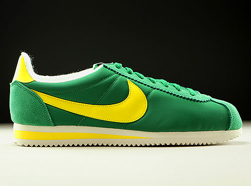 new product 1646a 023c0 ... promo code for nike classic cortez nylon aw grün gelb creme 844855 370  fcf5a 57ce9