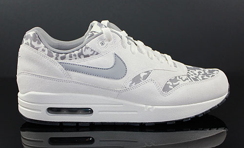 weiße nike air max mit roten muster