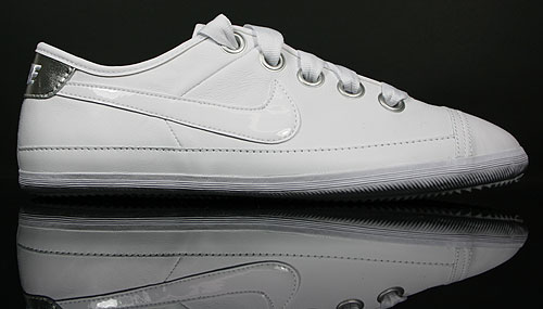 Nike WMNS Flash Macro Leather Weiss Silber Grau 417798-100