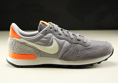 Nike WMNS Internationalist Grau Hellgrau Weiss Orange 828407-027