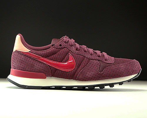 Nike WMNS Internationalist SE Dunkelrot Rot Rose Weiss 872922-600