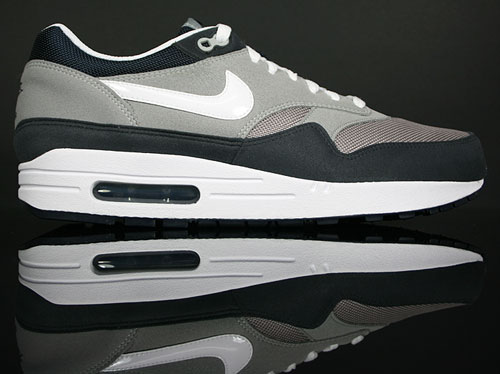 Sole Provider Sneakers: Nike Air Max 1 medium grey white