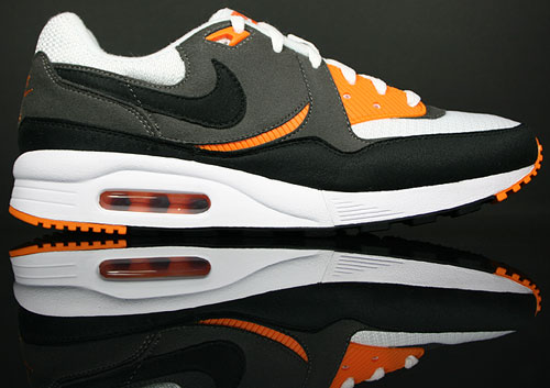 Nike Air Max Light Weiss Schwarz Grau Orange