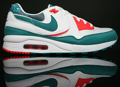 Nike WMNS Air Max Light White/Radiant Emerald-Hot Red
