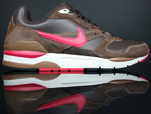 Nike Twilight Runner EU Dark Cinder/Berry-Rustic Birch