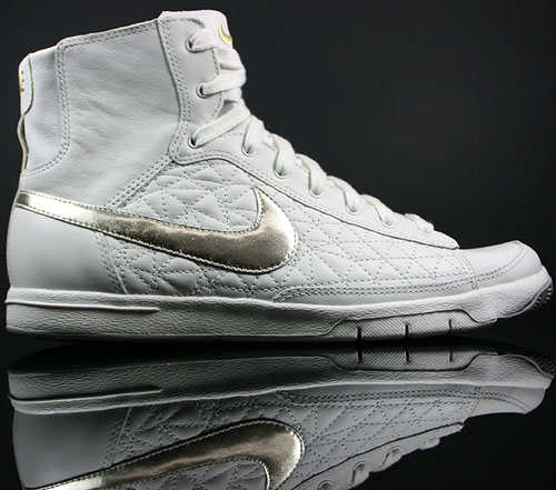 Nike WMNS Blazer Mid Creme-Weiss/Silber-Gold Metallic