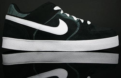 Nike Melee Black/White 395713-002