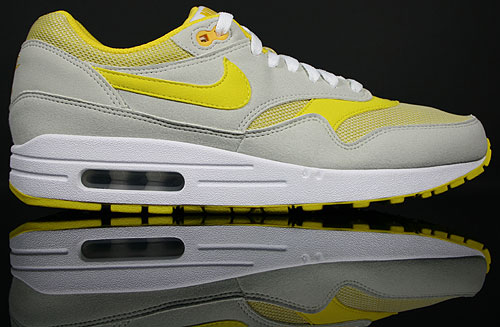 new style 05509 ffe8c Nike WMNS Air Max 1 Light Bone Speed Yellow-White 319986-006