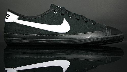 Nike Flash Canvas Black/White 325011-032
