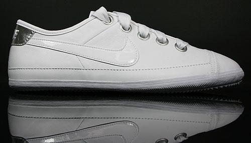 Nike WMNS Flash Macro Leather White/Metallic Silver-Wolf Grey 417798-100