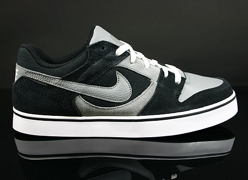 Nike Twilight Low SE Black Cool Grey White Sneakers 487949-002