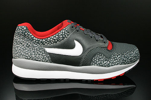 Nike Air Safari LE Metallic Silver White Anthracite Red Sneakers 371740-016