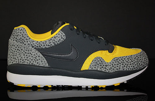 Nike Air Safari LE Neutral Grey Anthracite Yellow White Sneakers 371740-071