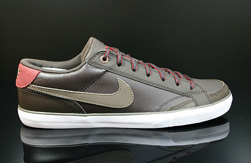 Nike Capri 2 Velvet Brown Team Red White Sneakers 407984-204