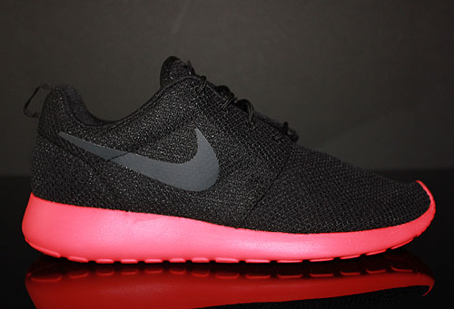 Nike Roshe Run Black Anthracite Siren Red Sneakers 511881-016
