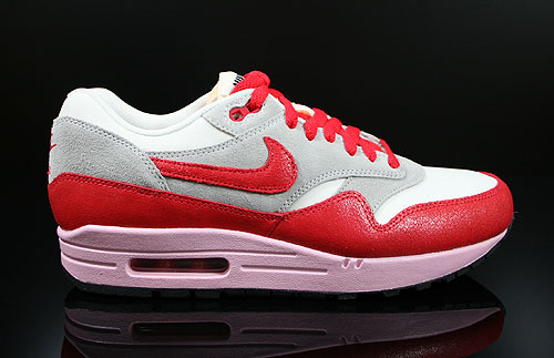 Nike WMNS Air Max 1 Vintage Sail Hyper Red Street Grey Iced Carmine Sneakers 555284-103