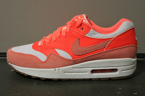 Nike WMNS Air Max 1 Vintage Sail Bright Mango Total Crimson Sneakers 543361-104