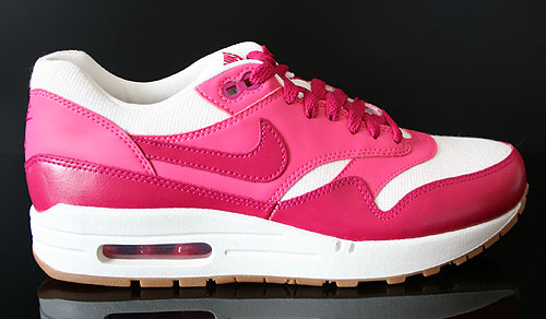 Nike WMNS Air Max 1 Vintage Sail Sport Fuchsia Pink Force Gum Sneakers 555284-104