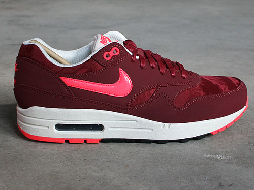 Nike Air Max 1 Premium Team Red Atomic Red Black Sail Sneakers 512033-660