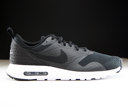 Nike Air Max Tavas Essential Black Black White Sneakers 725073-001
