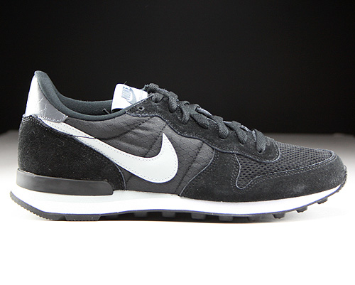 Nike Internationalist Black Grey Mist Dark Grey White Sneakers 631754-010