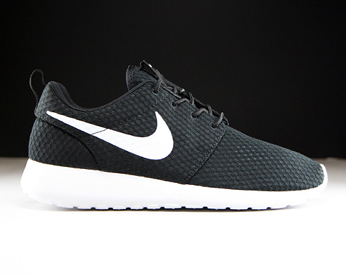 Nike Rosherun Breeze Black White Sneakers 718552-011