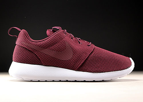 56c9911867c4 Nike Roshe One Night Maroon White - Purchaze