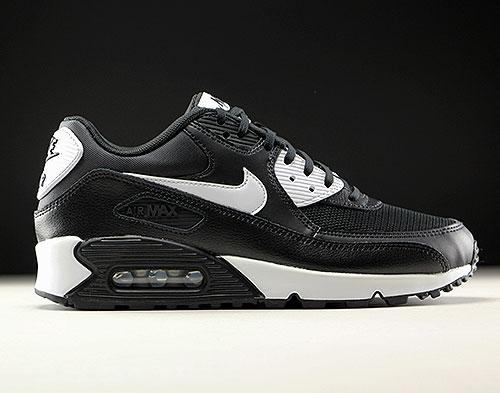 pretty nice d3500 4bd55 Nike WMNS Air Max 90 Essential Black White Metallic Silver