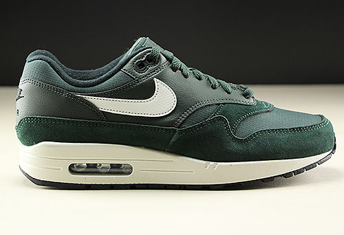 purchase cheap 73791 f665e Nike Air Max 1 Outdoor Green Sail Black AH8145-303