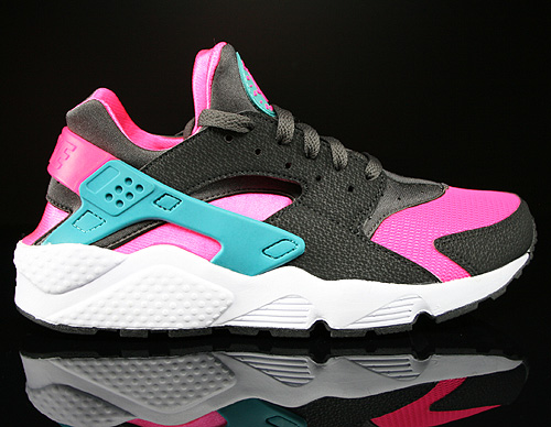 Nike Air Huarache Hyper Pink Dusty Cactus Medium Ash Sneakers 318429-600