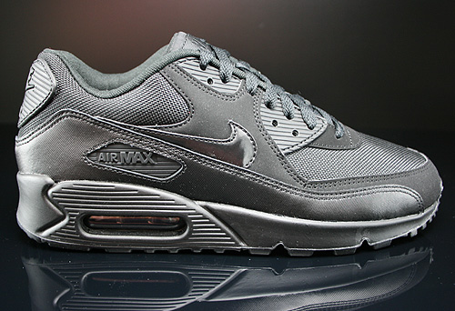 Nike Air Max 90 Essential Black Black Black Black Sneakers 537384-090