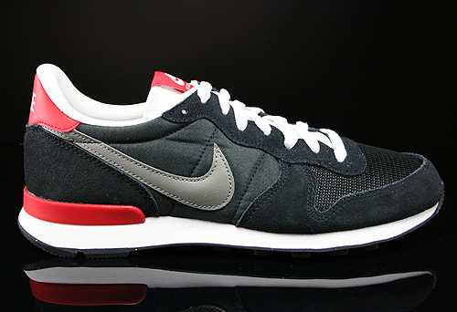 Nike Internationalist Black Base Grey University Red White Sneakers 631754-001