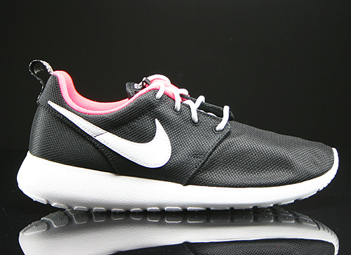Nike Rosherun GS Black White Hyper Punch Sneakers 599729-005