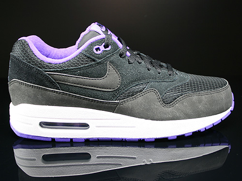 Nike WMNS Air Max 1 Essential Black Black Hyper Grape White Sneakers 599820-006