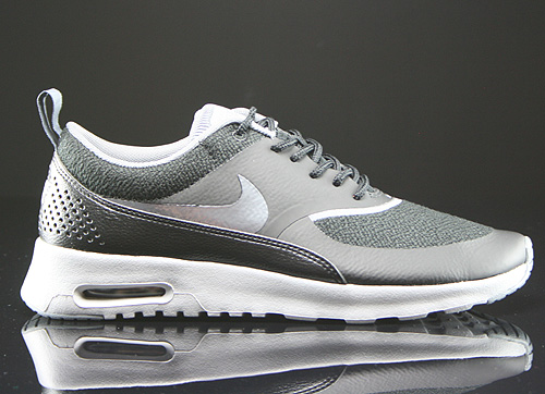 nike wmns air max thea black cool grey wolf grey silver. Black Bedroom Furniture Sets. Home Design Ideas