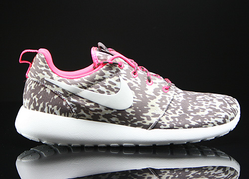 Nike WMNS Rosherun Print Light Orewood Brown Sail Hyper Punch Orewood Sneakers 599432-160