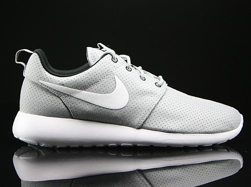 Nike WMNS Rosherun Wolf Grey White Black Sneakers 511882-091