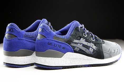 Asics Gel Lyte III Black Black Back view