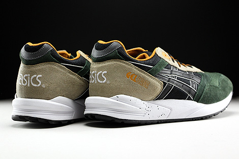Asics Gel Saga Winter Trail Pack Back view