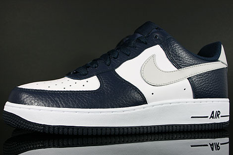Nike Air Force 1 Low Dunkelblau Hellgrau Weiss Seitendetail