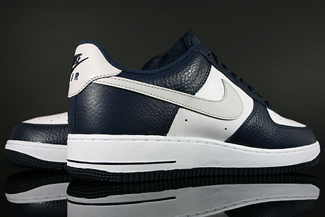 Nike Air Force 1 Low Dunkelblau Hellgrau Weiss Rueckansicht