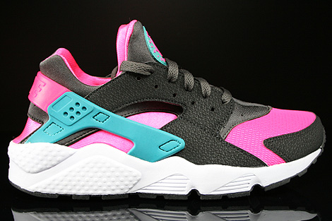 newest e8ec1 98144 Nike Air Huarache Hyper Pink Dusty Cactus Medium Ash