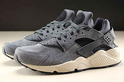 Nike Air Huarache Run Premium Anthracite Black Light Bone Profile