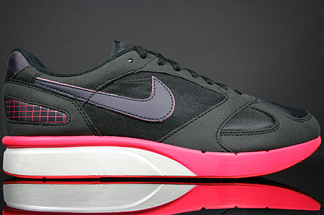 Nike Air Mariah Black Challenge Red Metallic