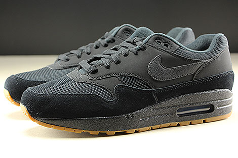 Nike Air Max 1 Black Black Black Profile