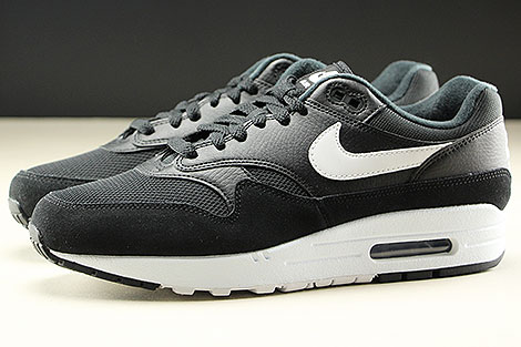 Nike Air Max 1 Black White Profile